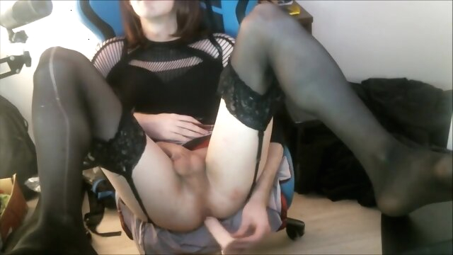 Sissy Crossdresser plays with.. crossdressing hd solo shemale